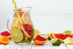 Jak pić podczas odchudzania, żeby rozkręcić metabolizm i zachować dobrą formę?