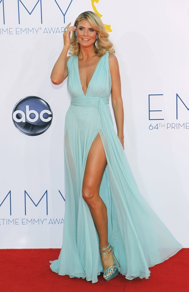 """Project Runway"" host and model Heidi Klum arrives at the 64th Primetime Emmy Awards in Los Angeles, September 23, 2012.   REUTERS/Mario Anzuoni (UNITED STATES  - Tags: ENTERTAINMENT)  (EMMYS-ARRIVALS)"