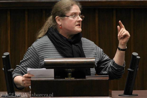 Paw�owicz proponuje: Zamiast dyskutowa� o zwi�zkach partnerskich, leczmy gej�w