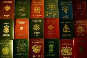 Na całym świecie występują tylko 4 kolory paszportów. Jaki kolor paszportu mają obywatele Rosji, a jaki USA?