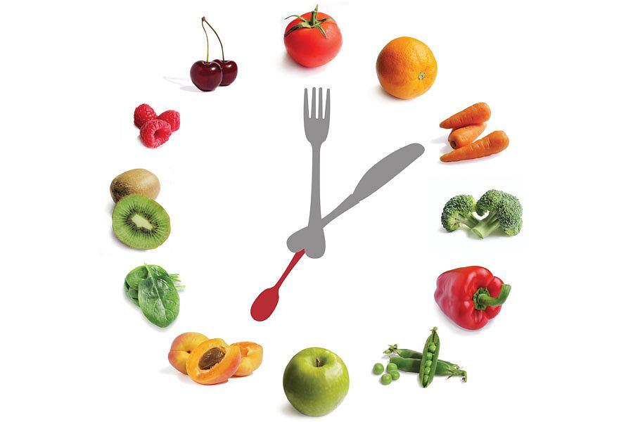 Идеально подходит принцип, чтобы съесть последний прием пищи около 2-3 часов до сна, чтобы организм мог его спокойно переварить.