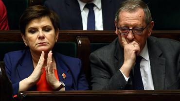 Premier Beata Szydło i minister środowiska Jan Szyszko