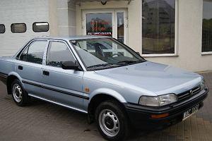 Toyota Corolla e90 | Kosztorys napraw