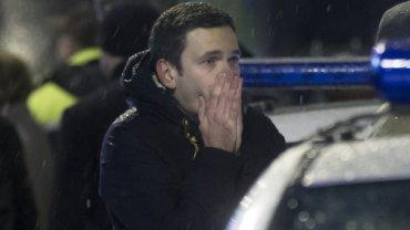 Szok, przera�enie, rozpacz. Twarz kolegi zabitego w Moskwie Niemcowa m�wi niemal wszystko