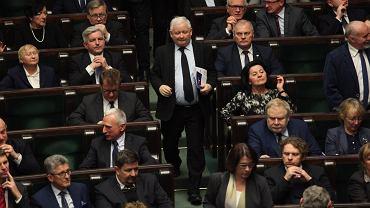 Prezes PiS Jarosław Kaczyński wśród swoich podwładnych