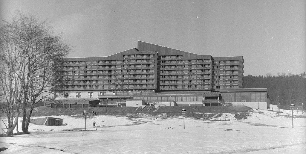 Hotel Kasprowy w Zakopanem (fot. Grażyna Rutowska / Narodowe Archiwum Cyfrowe)