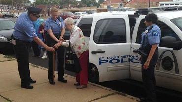 Edie Simms zostaje aresztowana