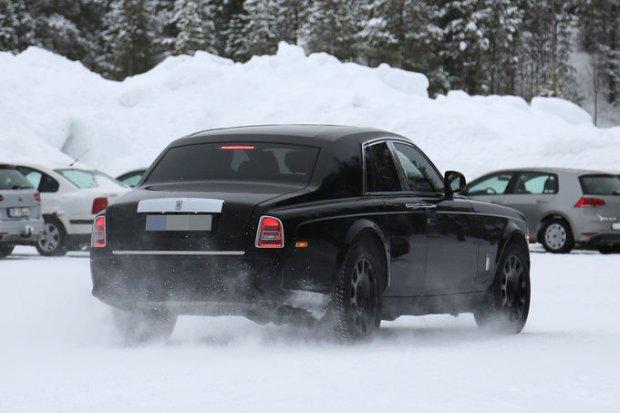 Prototypy | Rolls-Royce testuje SUV-a
