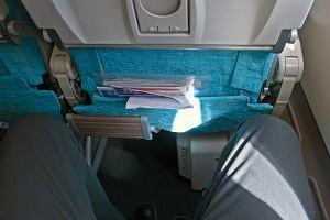 W samolotach będzie więcej miejsca na nogi? Być może wymuszą to na liniach lotniczych nowe przepisy