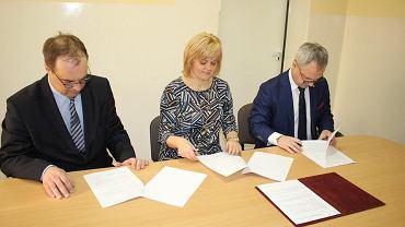 Kilka dni temu SP nr 18 zawarła porozumienie o współpracy z katowickimi wydziałami Politechniki Śląskiej w Gliwicach: Wydziałem Transportu oraz Wydziałem Inżynierii Materiałowej i Metalurgii