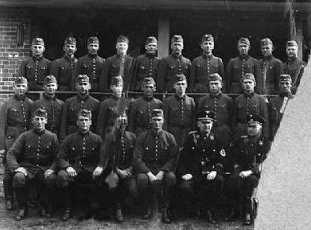 Zdjęcie numer 0 w galerii - Kaci Hitlera. Twarze nigdy nie skazanych SS-manów ze Stutthofu