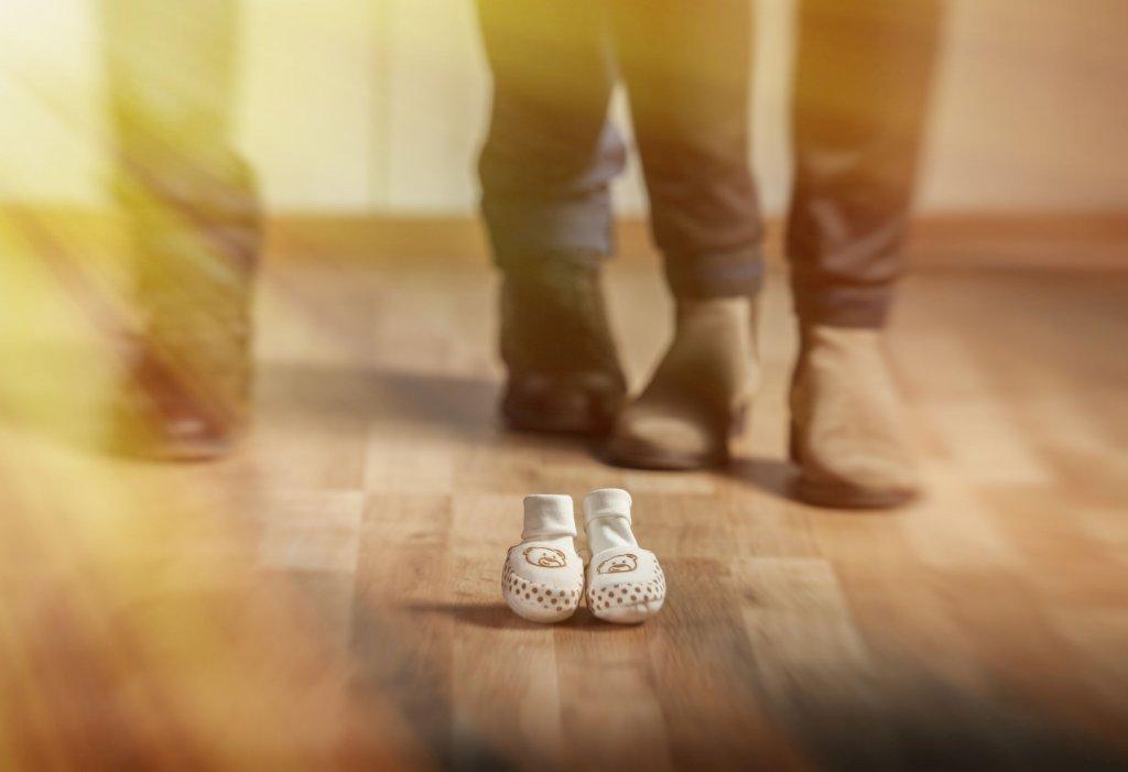 By uniknąć dodatkowego cierpienia, kobiety często nie przyznają się do utraty dziecka nawet najbliższym (fot. iStockphoto.com)