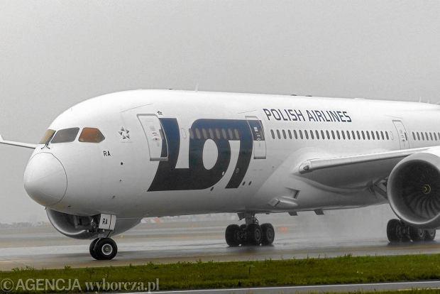 Boeing Dreamliner w barwach LOT-u, listopad 2012 r.