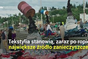 Stosy ubrań zalegają na śmietnikach. Wszystkiemu winna zmieniająca się moda