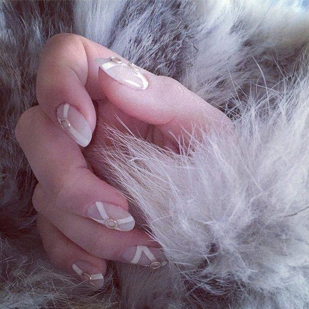 Manicure czytelniczek