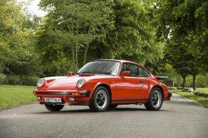 Aukcje | Porsche 911 Jamesa Maya na sprzeda�