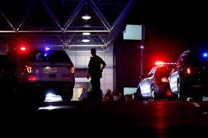 USA: chaos na lotnisku, m�czyzna zaatakowa� maczet� agent�w bezpiecze�stwa