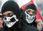 Manifestacje bez kaptur�w i kominiarek: demonstrowa� jawnie i otwarcie
