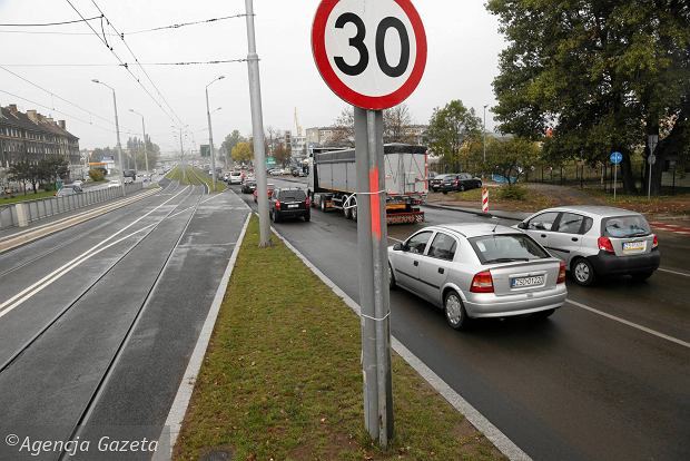Mandat za przekroczenie prędkości. Nie zabiorą ci prawa jazdy, gdy przekroczysz prędkość o 50 km/h
