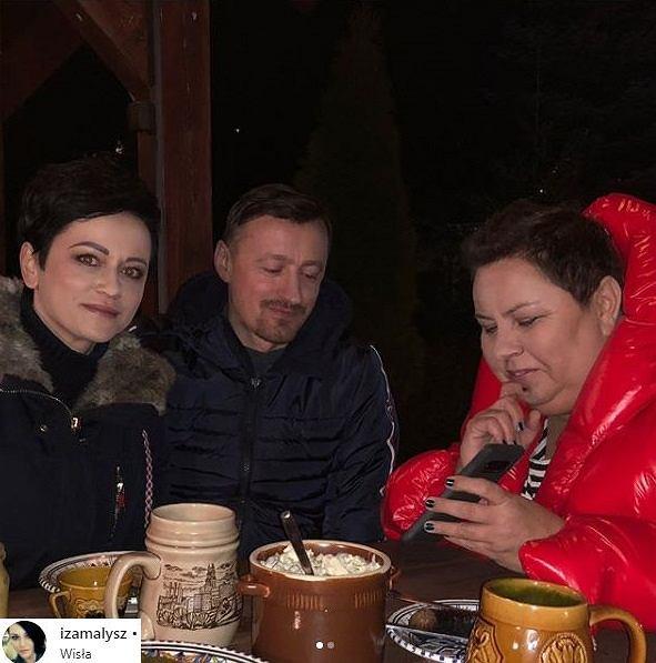 Dorota Wellman i Państwo Małysz podczas kolacji.