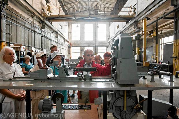 Zdjęcie numer 8 w galerii - Zwiedzali 150-letnią fabrykę obrabiarek na Wilczaku [ZDJĘCIA]