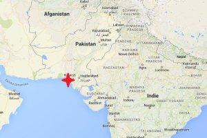 Atak na autobus w Pakistanie. Zgin�y co najmniej 43 osoby