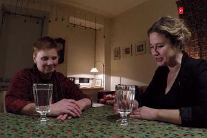 DeGustacje: Janina Ochojska przy szklance wody
