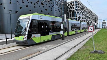 Ograniczenie prędkości z powodu pęknięcia szyn na trasie tramwajów przy al. Sikorskiego w Olsztynie