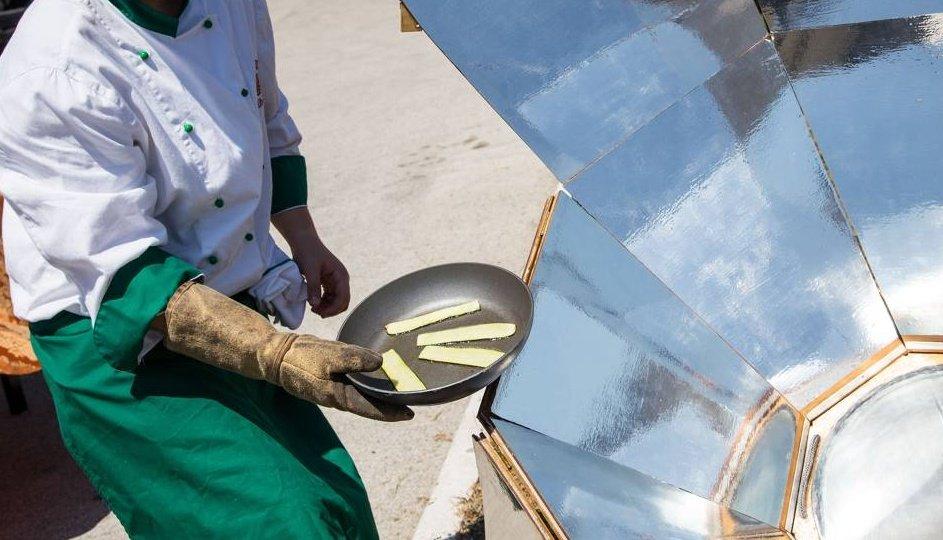 Zdjęcie numer 2 w galerii - Tradycyjny grill doczekał się konkurencji: pieca słonecznego