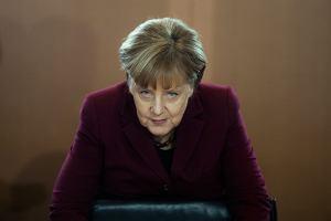 Angela Merkel nie może odejść, bo musi uratować Zachód