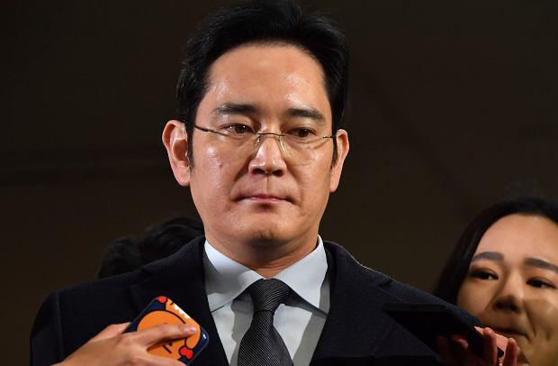 Li Dze Jong, wiceprezes Samsunga przed przesłuchaniem ws. skandalu korupcyjnego