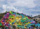 Artyści zmienili ubogą dzielnicę meksykańskiego miasta w wielki, kolorowy mural
