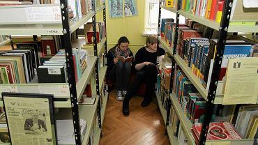 Szkolne biblioteki oferują uczniom przede wszystkim nudne lektury