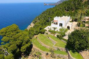 Michael Douglas usiłuje sprzedać swoją posiadłość. W trzy lata opuścił cenę o 15 milionów!