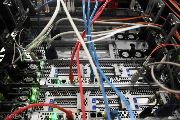Firma komputerowa szuka 200 specjalist�w. Czwarty miesi�c. Nie jest lekko