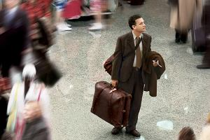 Zgubiony bagaż, odwołany lot... Jak sobie z tym poradzić? Radzi pracownik lotniska