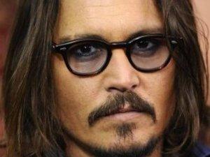Jak Johnny Depp wygl�da lepiej?