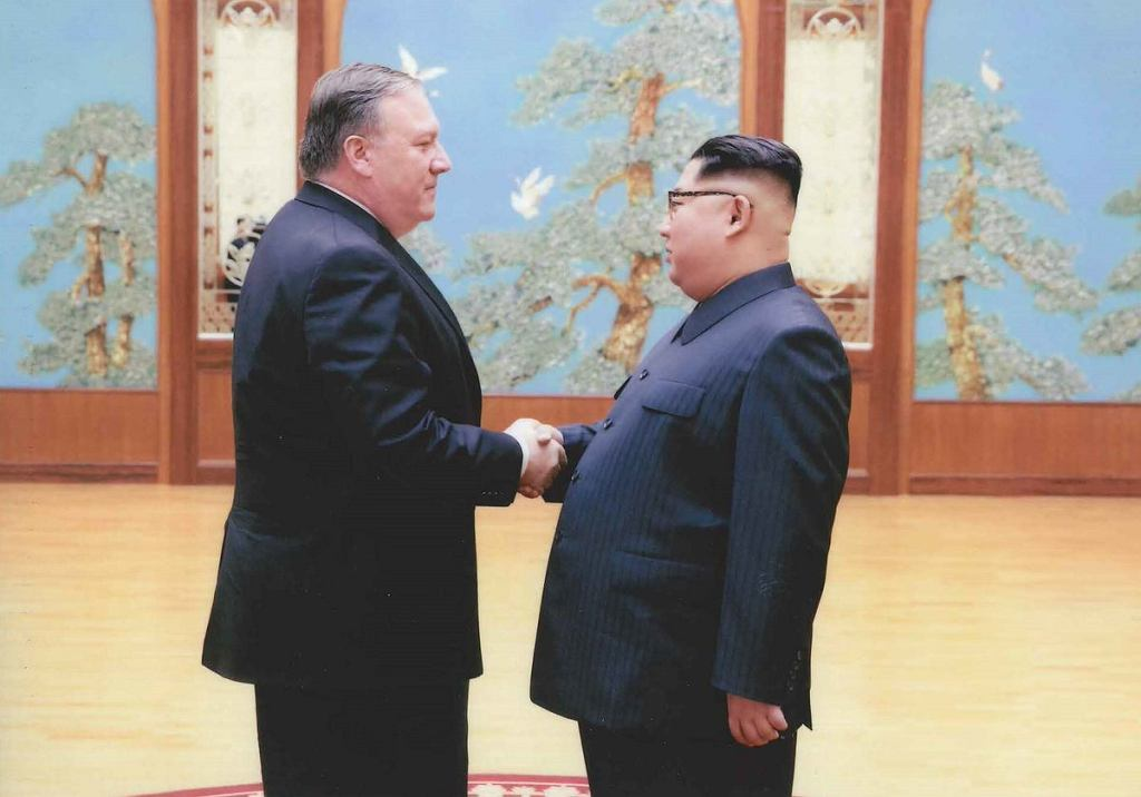 Nowy sekretarz stanu USA Mike Pompeo na spotkaniu z Kim Dzong Unem w Wielkanoc