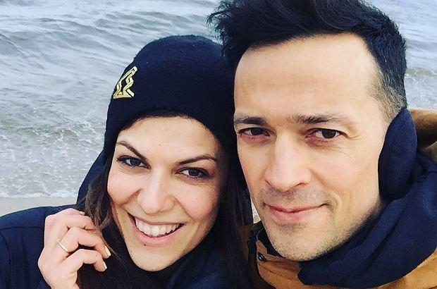 Alżbeta Leńska w środę, 16 maja, miała poważną operację mózgu. W niedzielę, 20 maja, jej mąż, Rafał Cieszyński, poinformował o tym na jej Instagramie. Poprosił o modlitwę za zdrowie żony.