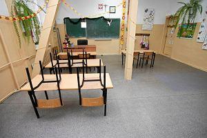 Nauczycielka oskar�ona za wsp�ycie z uczniem. Grozi jej 12 lat