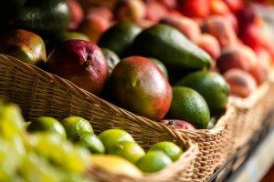 Ananas, mango, awokado - teraz s� najlepsze!