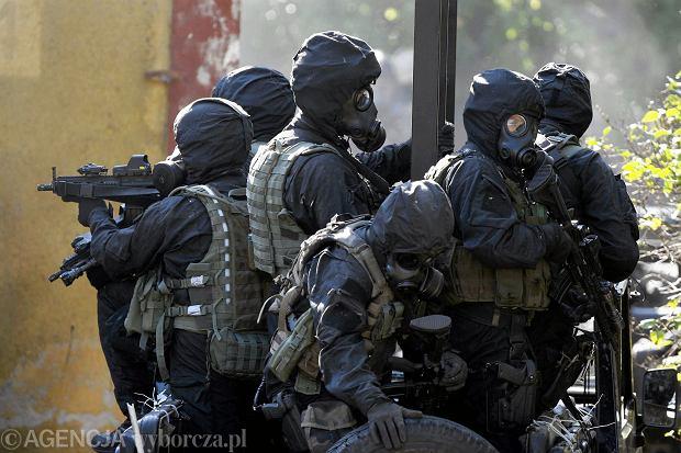 Antoni Macierewicz mianował nowych dowódców wojsk specjalnych i GROM