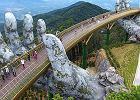W Wietnamie otworzyli most widokowy, który podtrzymują ogromne dłonie. Zawisł na wysokości 1400 metrów