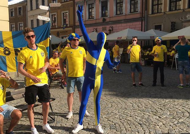 Szweccy kibice na rynku w Lublinie