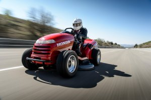 Honda Mean Mower | Najszybsza kosiarka �wiata!