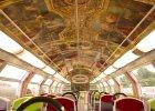 Zwykłe wagony kolejki miejskiej zmieniono w pałac. To jedyne takie pociągi na świecie