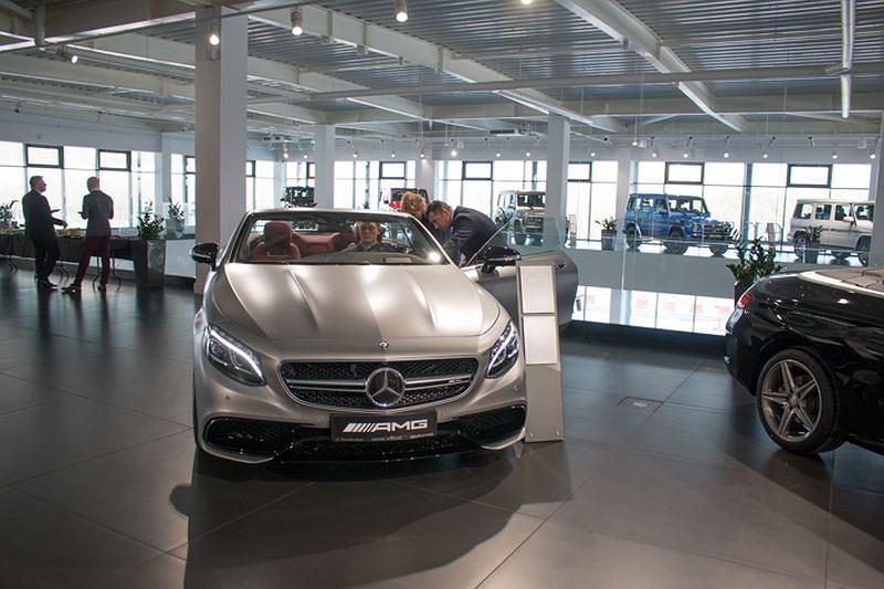 mercedes otwarto największy salon w polsce