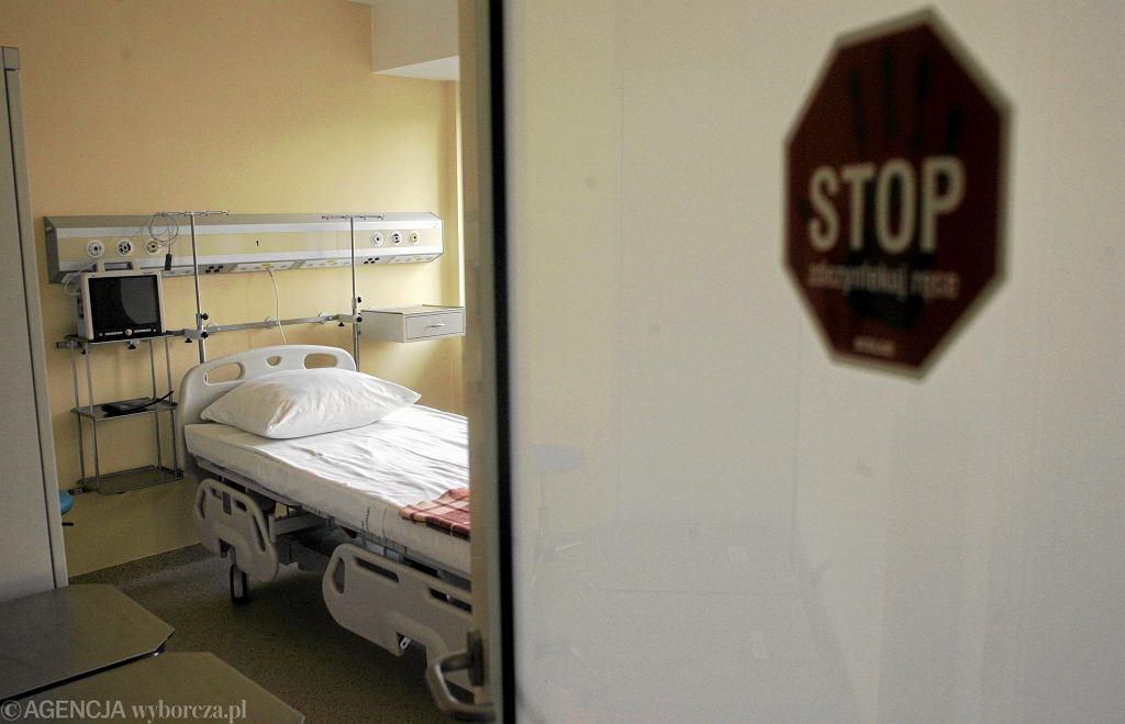 Najtrudniejsze w tej pracy jest mówienie o śmierci i milczenie, kiedy wiadomo, że pacjent nie rokuje (fot. Przemek Wierzchowski  / Agencja Gazeta)