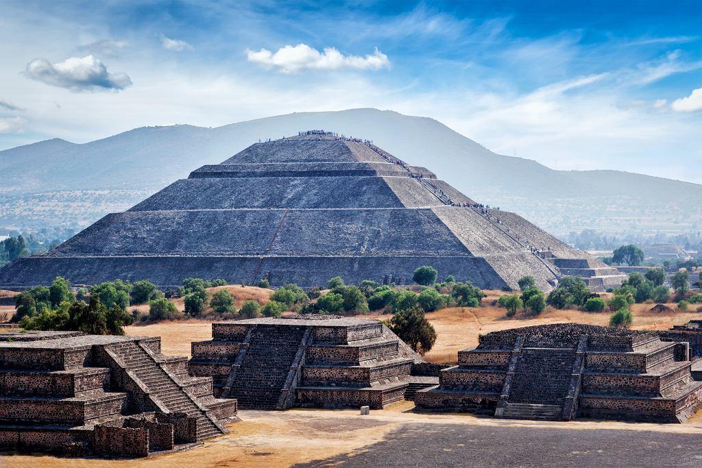 Piramida Słońca, widok z Piramidy Księżyca