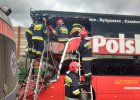 Na trasie A2 Polski Bus zderzy� si� z ci�ar�wk�. Nie �yje kierowca autokaru, ranni s� pasa�erowie